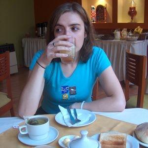 Yo desayunando durante unas vacaciones